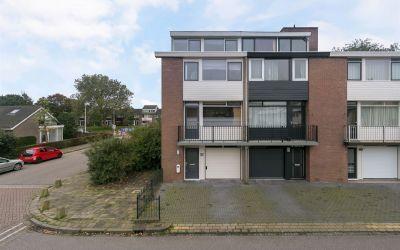 Van der Maasstraat 1