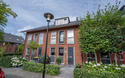 Opper Van Treurenstraat 25