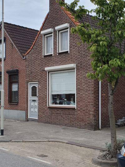 Dorpsstraat 18