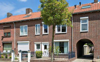 Jan van Riebeeckstraat 18