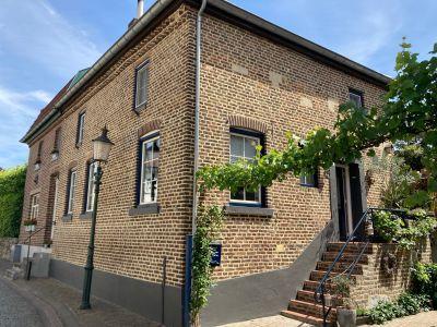 Raadhuisstraat 4